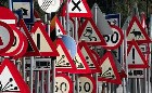 cartelli stradali diversi